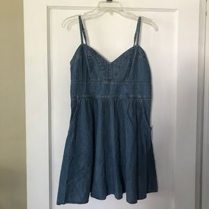 Express Denim Dress w Pockets
